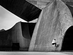 "Fabiano Rodriguez_the skater and photographer, project_""The Self Portrait Project"" Huge architectural structures of buildings of famous architects, which act as frames for photos of Rodriguez.The result is impressive ""geometric"" images that are born from a game between light and shadows."