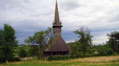 Biserica de lemn Sf. Ilie din Cupșeni O călătorie virtuală prin Maramureş - galerie foto. Vezi mai multe poze pe www.ghiduri-turistice.info Sursa : http://ro.wikipedia.org/wiki/Fișier:Biserica_de_lemn_Sf.Ilie_din_Cupseni_10.JPG