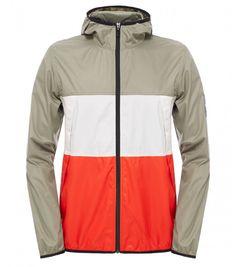 Cette veste coupe-vent stylée à trois couleurs présentent tout le confort, la souplesse et la respirabilité d'une polaire traditionnelle, mais ne laisse pas passer la fraîcheur apportée par le vent.