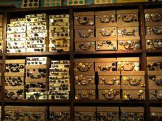 Mercerie à Paris. Ribbon, trimmings, buttons, etc.