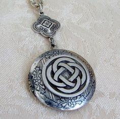 Round Silver Celtic Knot Locket Wedding Bride Irish Life Circle Wales  Ireland Mother Wife Photos Pictures - Shauna on Etsy, $29.00