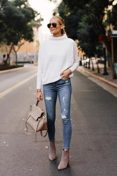 I always love mixing high-low items together to create a stylish outfit. Sharing this look and more amazing pieces from today on… Look Casual Otoño, Style Casual, Casual Chic, Booties Outfit, White Sweater Outfit, Sweater Outfits, Stylish Outfits, Fashion Outfits, Fall Fashion