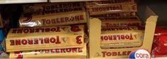 Dans les linéaires des GMS, les Toblerone au format standard sont vendus par pack de 3.