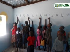 Il tuo soggiorno a Muzuane, permetterà di sostenere la Scuola professionale a indirizzo turistico-alberghiero che HUMANA gestisce localmente.   #vacanzasolidale #turismosostenibile #africa #mozambique #humanapeopletopeople #summer