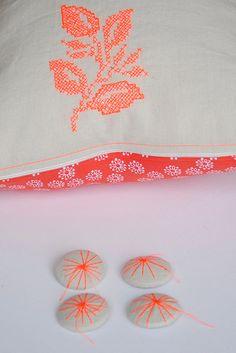 pillow KOCHI by erica hogenbirk knitwear, via Flickr  yellow  ECKMANN STUDIO COM