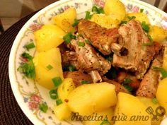 Sem sombra de dúvida costelinha de porco é a minha carne preferida. Minha mãe faz uma na panela com bastante cebola que eu amo, é um dos meus pratos...