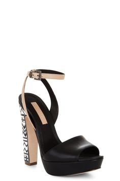 Cute! Not normally a huge fan of these blocky heels, but looks good on these!