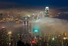 Hong Kong summer fog. Coolbiere A.