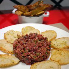 Steak tartare com batatas fritas do La Cocotte: agora sob comando de Erick Jacquin