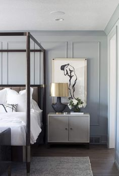 Caitlin And Emily Argue About Canopy Beds (And Discover The Secret To Making Them Work With Regular Height Ceilings) - Emily Henderson Bedroom Minimalist, Modern Master Bedroom, Modern Bedroom Design, Master Bedroom Design, Home Decor Bedroom, Bedroom Ideas, Bedroom Furniture, Bedroom Designs, Bedroom Ceiling