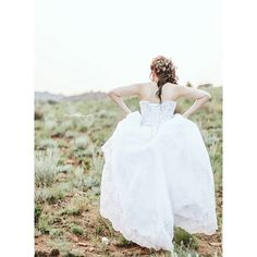 The runaway bride or NOT  Too in love to be thinking about that. She was just so willing to take on that hill!! @alinestrydom  #alinephotography2015 #vscocam #instagrammers #picoftheday #vsco #vscosouthafrica #bride #love #happiness #like4like #likeforlike #photographer #weddingdress #naturallight #weddingseason #weddings #wedding #weddingday #couple #moments #livelife #hope #canon #instadaily #photographer #pretty #pic