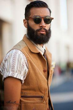 Queda bé l'armilla amb la camiseta màniga curta doblada a la punta. #alexmodart