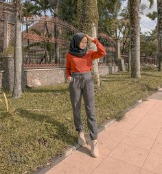 Ootd Airport Fashion Kpop, Street Hijab Fashion, Muslim Fashion, Modest Fashion, Korean Fashion, Casual Hijab Outfit, Ootd Hijab, College Outfits, New Outfits