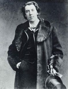 Oscar Wilde, author of The Picture of Dorian Gray. Oscar Wilde Quotes, Oscar Wilde Tattoo, Book Authors, Books, The Embrace, Writers And Poets, Portraits, Dorian Gray, Mode Masculine