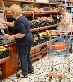 Giù il reddito degli italiani, colpita dalla crisi una famiglia su tre. Il mattone piace sempre di meno: http://www.lavorofisco.it/?p=15798