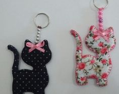 Porte-clés en feutre - Porte-clés en feutre Les images impressionnantes de diy home decor que l'on propose pour vous Une - Cat Crafts, Crafts To Make, Arts And Crafts, Sewing Hacks, Sewing Crafts, Sewing Projects, Felt Patterns, Sewing Patterns, Felt Keychain