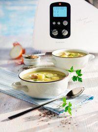 Rosenkohlsuppe mit Bratwurstklößchen