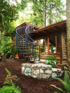 tiny house with studio...LOVE
