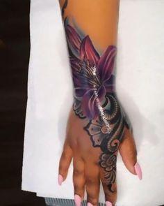 Pretty Hand Tattoos, Cute Thigh Tattoos, Badass Tattoos, Body Tattoos, Girly Tattoos, Unique Tattoos For Women, Hand Tattoos For Girls, Black Girls With Tattoos, Spine Tattoos For Women