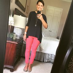 Coral pants, navy tunic, gold flats - casual fall outfit. http://getyourprettyon.com/fall-outfits-moms/?utm_campaign=coschedule&utm_source=pinterest&utm_medium=Alison%20Lumbatis%20%7C%20Get%20Your%20Pretty%20On&utm_content=Insta-Style%3A%20%20Five%20Days%20of%20Casual%20Fall%20Outfits