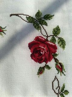 Cross Stitching, Cross Stitch Embroidery, Embroidery Patterns, Cross Stitch Patterns, Cross Stitch Rose, Cross Stitch Flowers, Yellow Roses, Red Roses, Rose Cottage