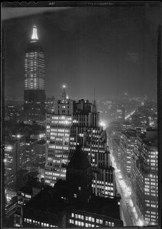 Manhattan, NYC, NY Photo by Samuel H. Gottscho, 1932 Image via Museum of the City of New York (Print Available) Manhattan and the Empire State Building, as seen from from 41st story of the Continental Bldg. #ArtDeco #architecture