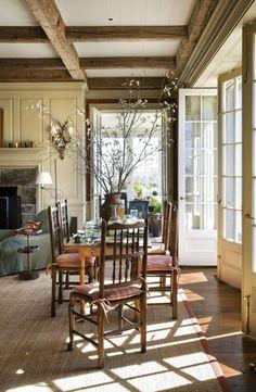 porte accordeon interieur en verre dans le salon moderne