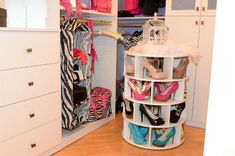 Lazy Susan Shoe Rack--Love this.  And how cool is it--you have your shoes organized and a lazy Susan is great for displaying those gorgeous shoes.  ♥♥♥