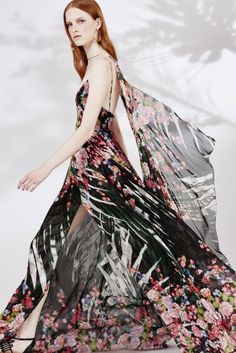 Elie Saab Resort 2016 - Collection - Galerie - Style.com