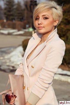 blond-undercut-korte-kapsels.jpg (427×640)