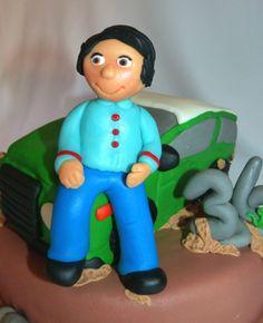 Bolo de aniversário todo-o-terreno para um amigo que adora jipes e aventuras radicais.    Birthday cake with a jeep