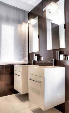 La recherche intemporelle et la classe du design intérieur se manifeste jusqu'à dans la salle de bains