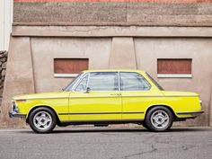 Car Porn: An Ultra-Cool 1972 BMW 2002 | Airows
