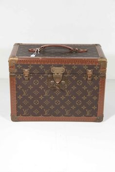 LOUIS VUITTON Vintage MONOGRAM Canvas BOITE PHARMACIE Travel TRAIN CASE Trunk