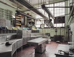 Haunting images from abandoned mental hospitals in the US...Autopsy Theater, St. Elizabeth's Hospital, Washington DC