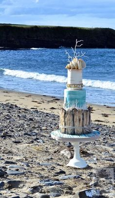 Beach wedding cake - Cake by Karen Keaney