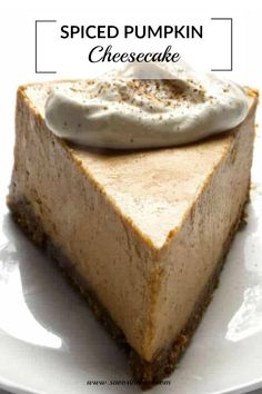 This spiced pumpkin is an ultra creamy and smooth cheesecake that is full of warm spices and all the pumpkin flavor you could want Fall Desserts, Christmas Desserts, No Bake Desserts, Just Desserts, Delicious Desserts, Dessert Recipes, Holiday Cakes, Dessert Ideas, Spiced Pumpkin