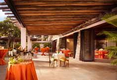 Love the rustic feel of this spot for a reception. Maui Hawaii Beach Resort | Montage Kapalua Bay
