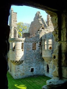 Earl's Palace ruins in Kirkwall / Scotland (by AL1612). (It's a beautiful world)