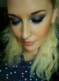 "Make Up and more: Violett-Blaues AMU (mit ""goldenem"" Upgrade)"