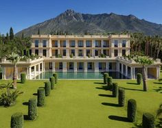 Most expensive houses of Spain are in Mallorca and Marbella and brokered by Engel & Völkers.