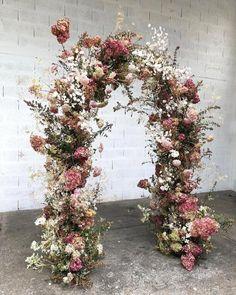 Pinterest White Wedding Arch, Wedding Arch Flowers, Wedding Flower Inspiration, Wedding Ceremony Decorations, Floral Wedding, Wedding Bouquets, Wedding Ceremonies, Wedding Arches, Nautical Wedding
