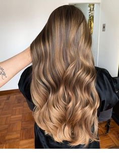 Are you looking for best hair colors to apply for long hair? Just see here, we have made a collection of fantastic long balayage colored hairstyles Brown Ombre Hair, Brown Hair Balayage, Brown Blonde Hair, Ombre Hair Color, Hair Color Balayage, Brunette Hair, Hair Highlights, Caramel Highlights, Caramel Balayage