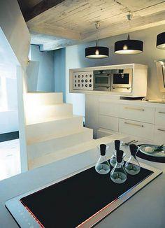 Schön Kleines Designer Apartment Küchen Arbeitsplatte Treppe