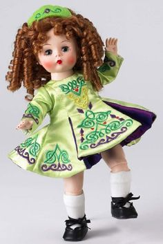 Add to your collection of international dolls. This darling Wendy doll has her red hair in ringlets, and has green eyes. She is wearing a Celtic style green dress. Antique Dolls, Vintage Dolls, Vintage Madame Alexander Dolls, Doll Maker, Hello Dolly, Doll Accessories, Barbie Dolls, Dolls Dolls, Beautiful Dolls