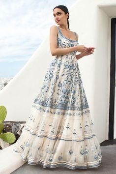 Indian Gowns Dresses, Indian Fashion Dresses, Indian Designer Outfits, Designer Dresses, Designer Clothing, Designer Bags, Party Wear Dresses, Bridal Dresses, Indian Bridal Outfits