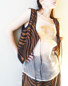 Special printing silk fabric waistcoat with black taffeta binding Organza blouse with hand painting