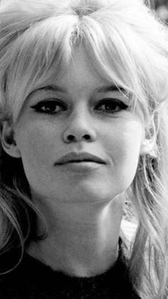 Look into my eyes! Brigitte Bardot, Bridget Bardot, 60s Hair, And God Created Woman, Pin Up Photos, Classic Girl, French Actress, Norma Jeane, My Beauty