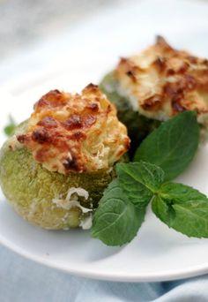 Zucchine ripiene di patate, mozzarella e scamorza - Ricette vegetariane