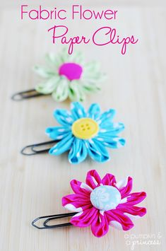 Fabric Flower Paper Clips // so cute and easy to make! How to make daisy flower paper clips tutorial. Fabric Crafts, Sewing Crafts, Paper Crafts, Faux Flowers, Fabric Flowers, Paper Flowers, Crafts To Make, Fun Crafts, Wraps